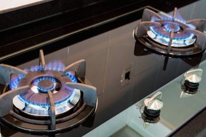 verificarea şi revizia instalaţiilor de gaze din locuinţă